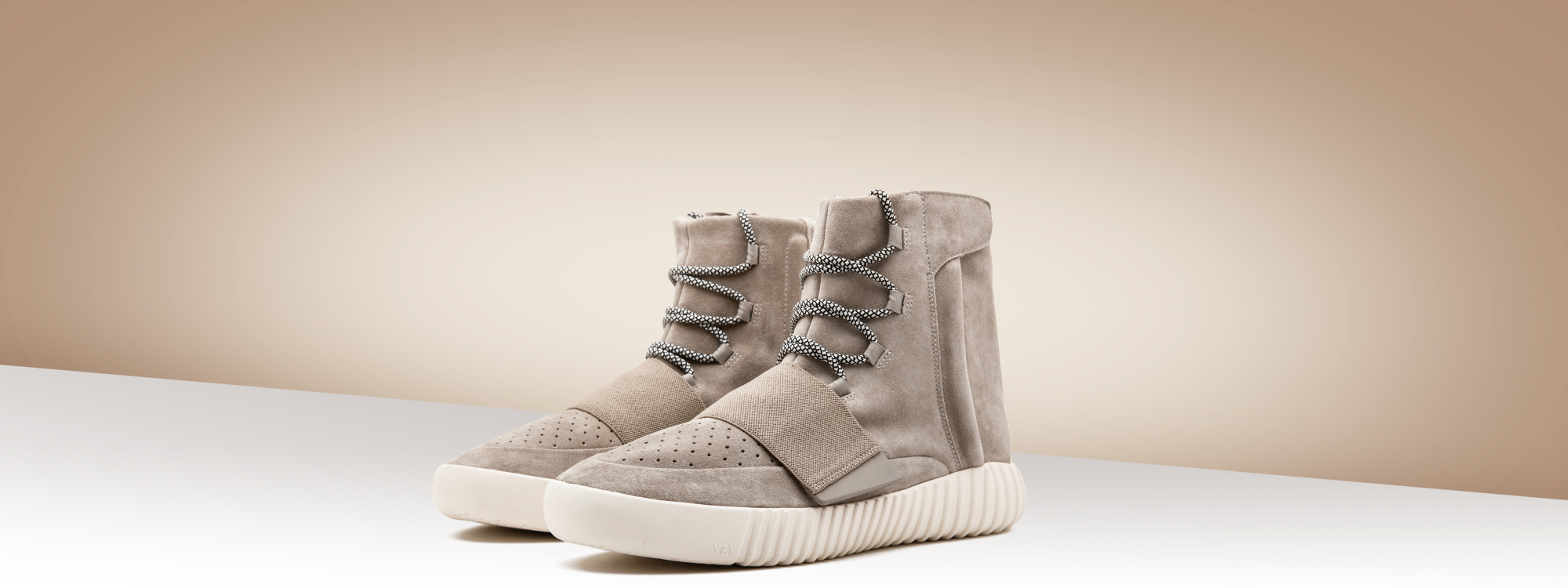 The best Adidas Yeezy Boost 750 Gray / White sneakers
